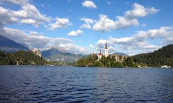 Odwiedź Bled, jedno z najsłynniejszych miejsc w Słowenii