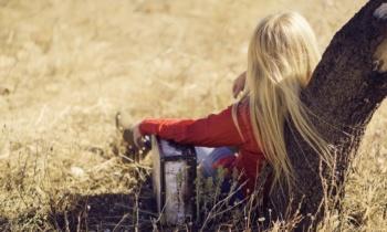 Walizka kobiety na wakacje – co ze sobą zabrać